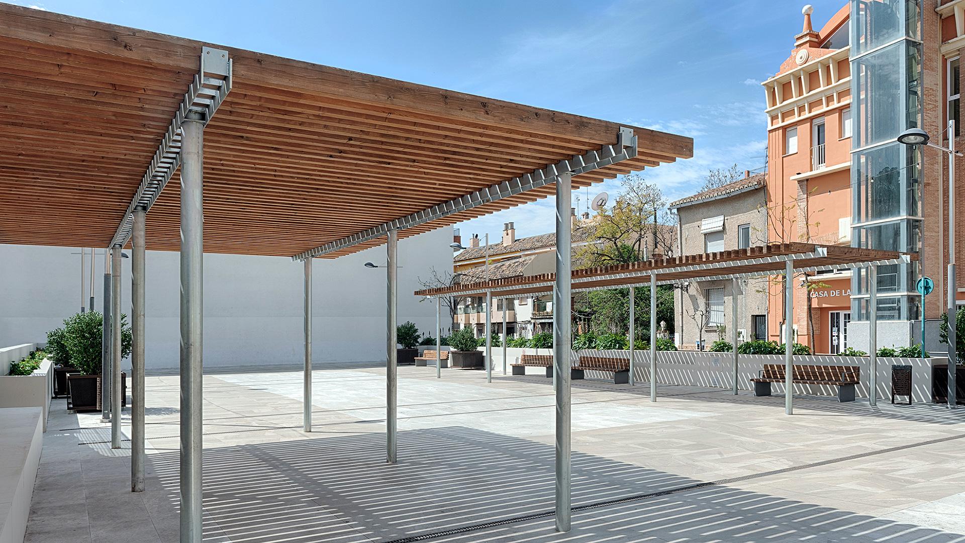 02-Plaza-Serra